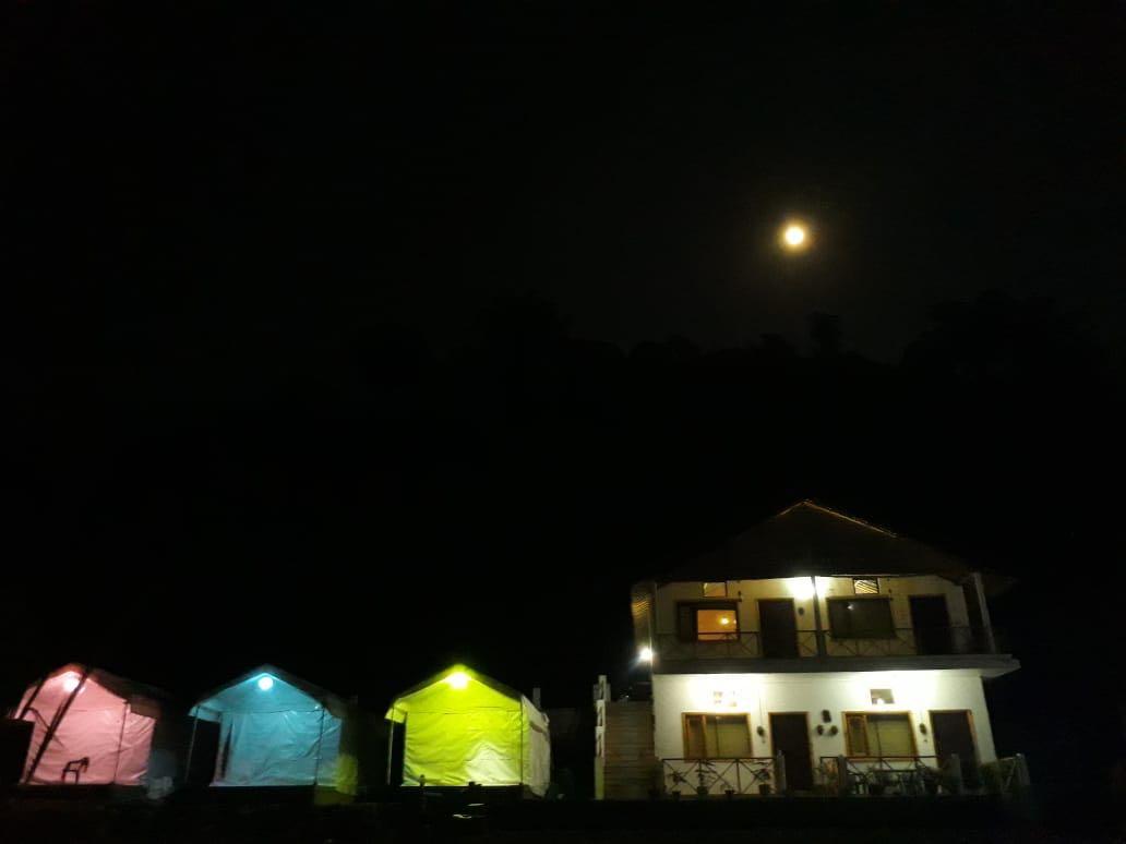 Taarini Camp In jim Corbett