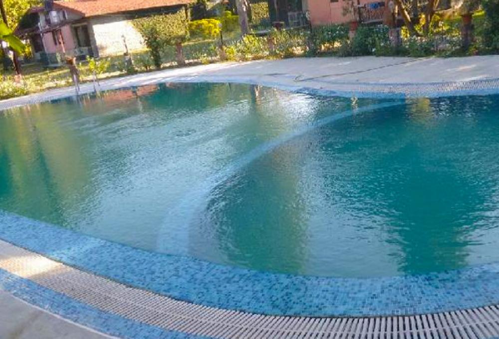 Swimming Pool Roop resort