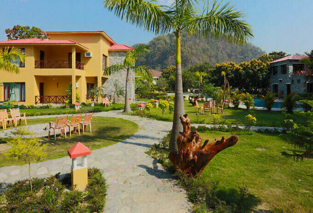 Fornt View Mango Bloom Resort