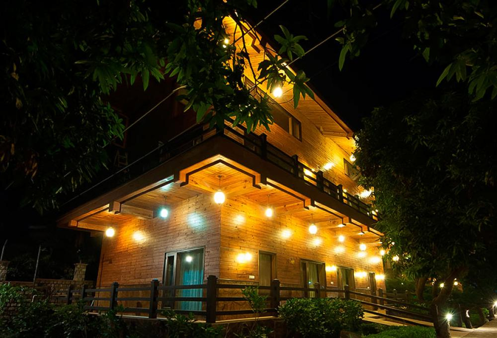 Night View Tuskars Resort