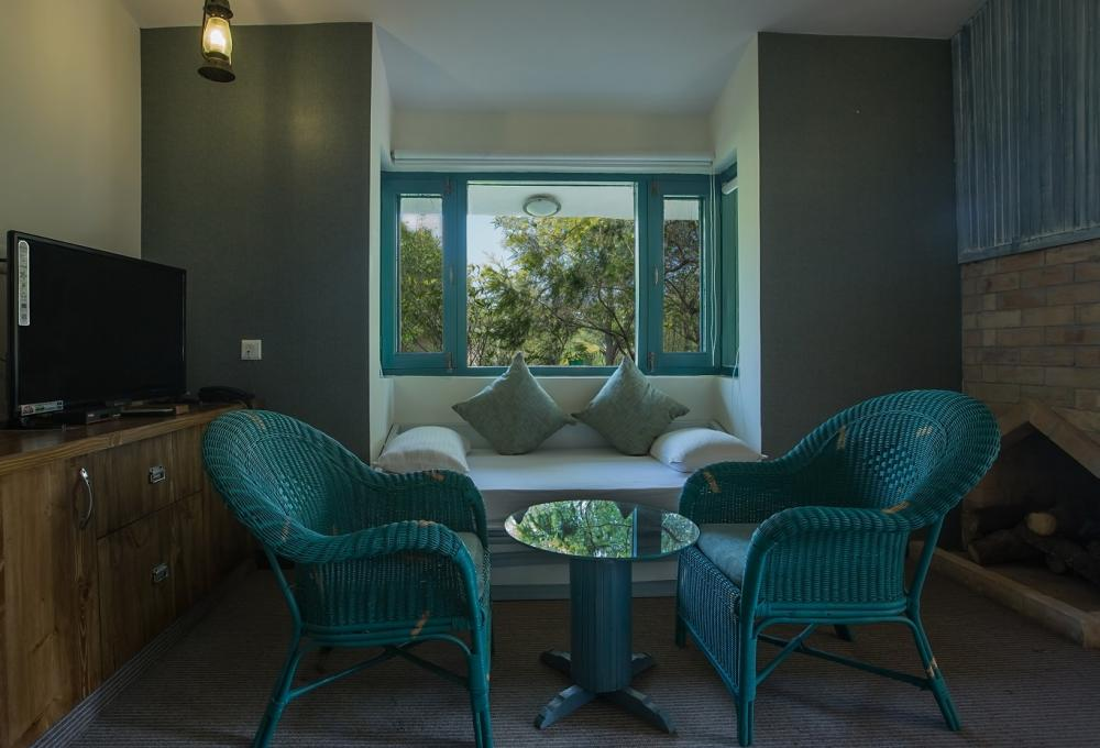 Acorn Hotels in Corbett