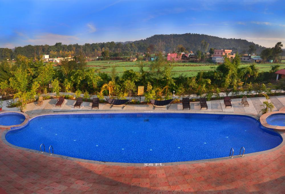 Swimming Pool aura resort