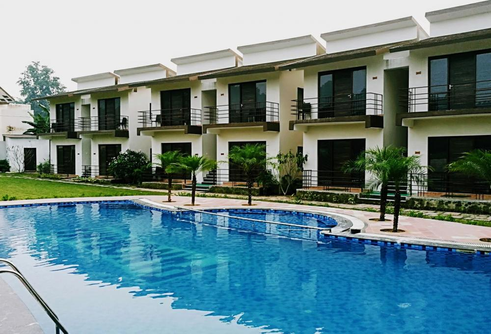 Swimming pool Panaroma Resort