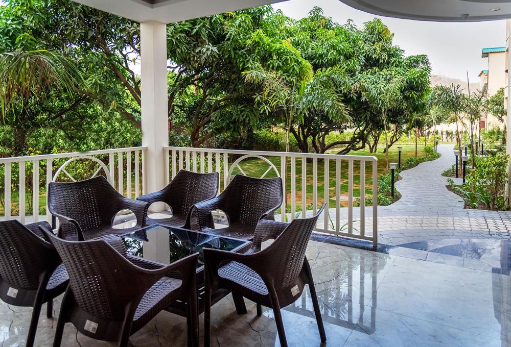 La Savanna Resort In Jim Corbett Park