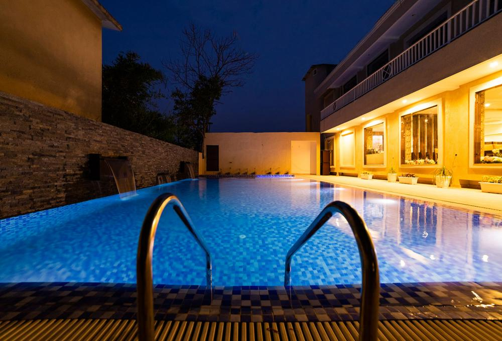 Swiming Pool La Savanna Resort