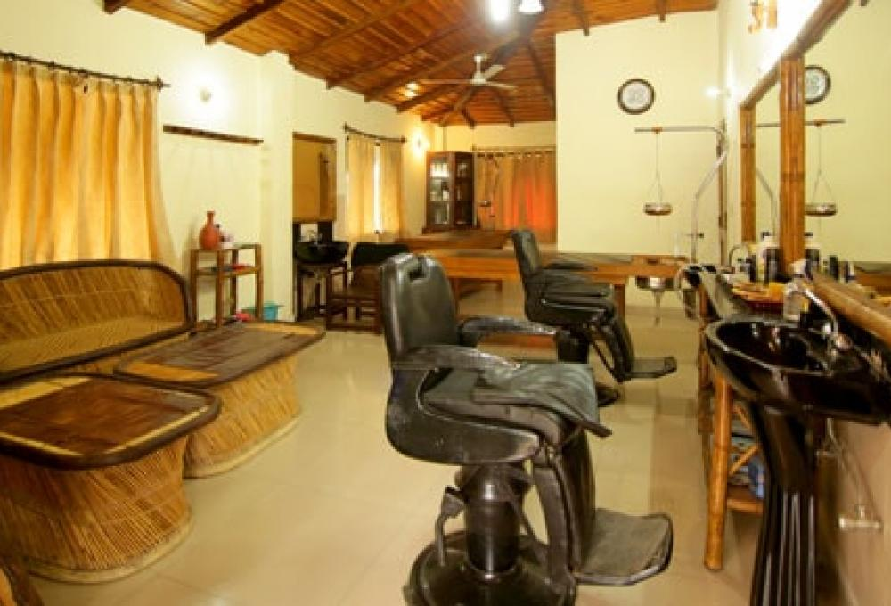 Saloon Ashokas Tiger Trail Resort