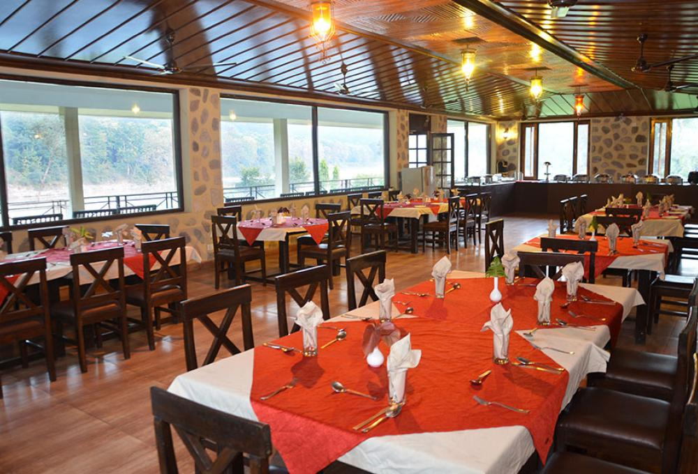 Restaurant Pratiksha River Retreat corbett