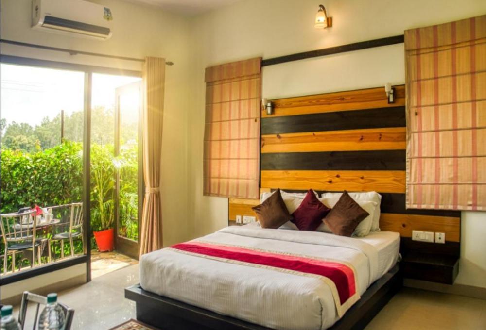 Solitaire Resort in Corbett