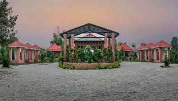 Gujraj Trail Resort Christmas & New Package