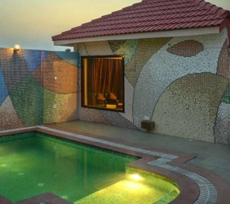 Deluxe Luxury Cottage with Private Swimming Pool